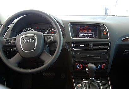 Por dentro la Q5 brinda lujo, comfort y la última tecnología de punta.