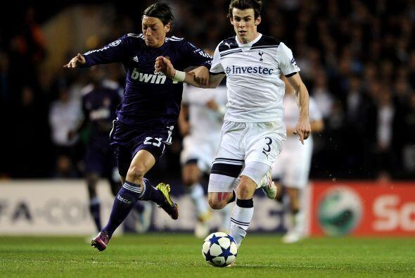 Gareth Bale no pudo ante los defensores 'merengues'.