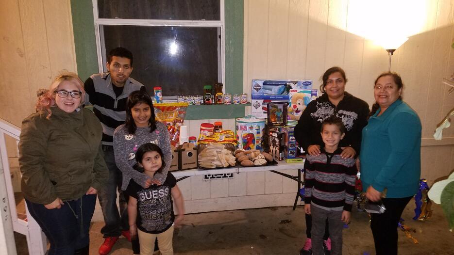 Familias latinas pasaron unas felices posadas 20161215_171934.jpg