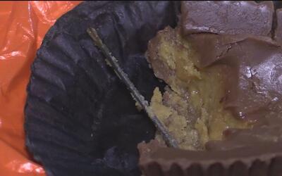 Encuentra aguja dentro de un chocolate que le dieron a una niña de tres...