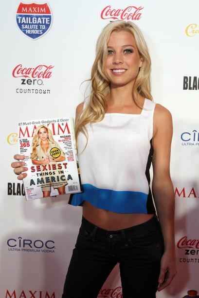 Dominique posó con la portada de su edición.