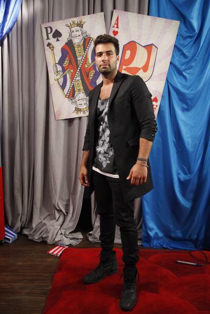 El galán llega a Premios Juventud con una actitud de conquistador.