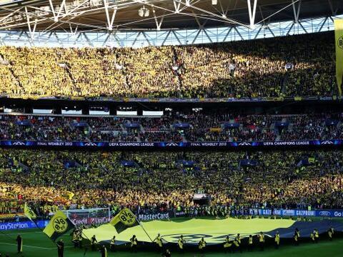 Ambiente espectacular en Wembley para la final de la Champions League en...