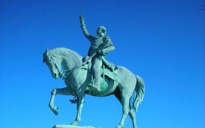 Estatua de George Washington en el parque con este nombre en Chicago