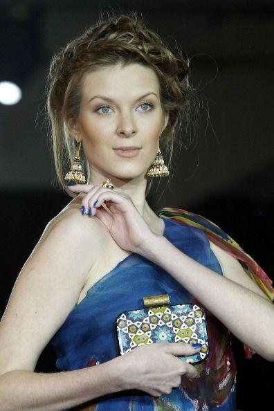 ¡El peinado ''a la Frida Kahlo'' es un clásico de clásicos! Actualmente...