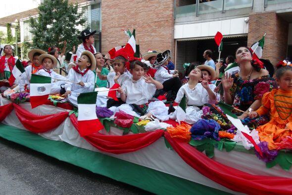 El 4 de mayo, únete al desfile anual del Cinco de Mayo presentado por LU...