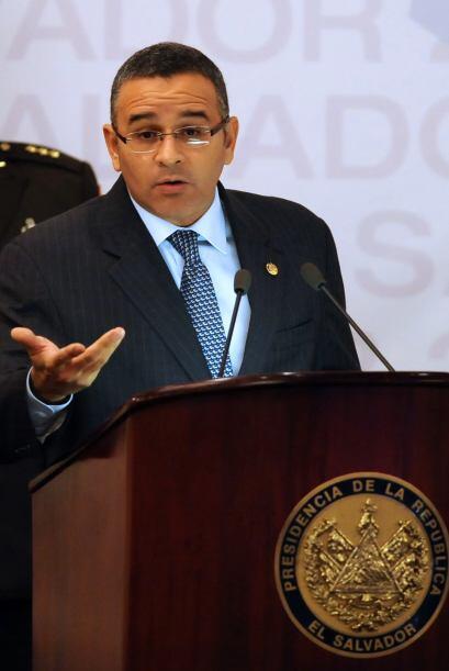 El presidente de El Salvador, Mauricio Funes, alcanzó en agosto pasado u...