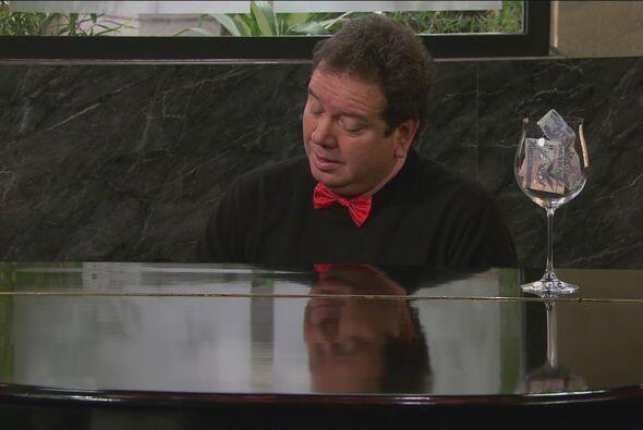 Coque Muñiz no logró convencer a los huéspedes con su música.
