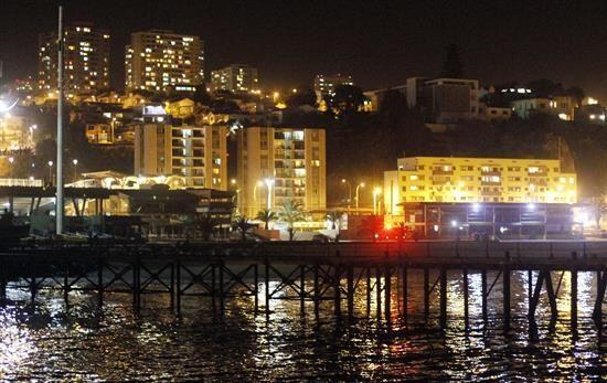 Vista de una zona costera de la ciudad de Valparaíso tras ser eva...