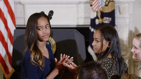 Antes de entrar a Harvard, Malia Obama hace unas prácticas con un...