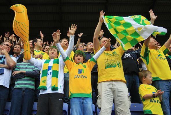 Y parece que toda la afición del Norwich City, equipo recién ascendido e...