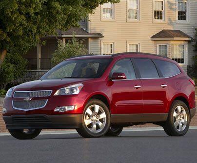 Chevrolet TraverseEsta SUV de Chevy se mantiene como una de las favorit...
