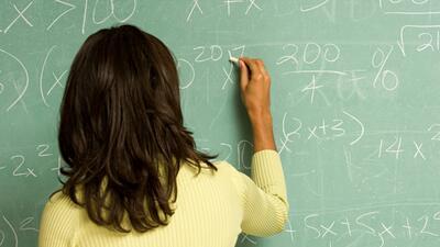 Hispanos en California siguen atrasados en matemáticas y lectura, revela...