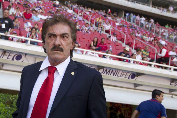 Mayo 1 - Ricardo Lavolpe es acusado de acoso sexual. El técnico argentin...