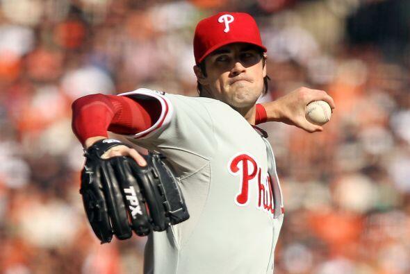 Cole Hamels fue el pitcher derrotado, a pesar de su estupendo trabajo so...