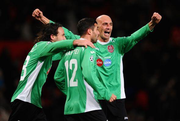 Pero no contaban con que el Cluj daría la campanada al marcar el gol con...