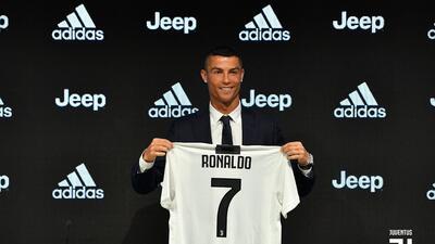 Cristiano Ronaldo 'se olvida' del Real Madrid y ya fue presentado con la Juventus