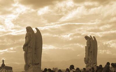 Los ángeles de luz y los ángeles de oscuridad, ¿con cuáles te quedas?