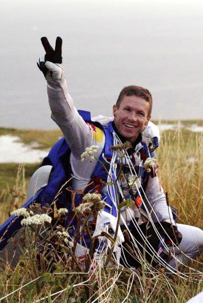 14 de octubre. El paracaidista austríaco Félix Baumgartner se convierte...
