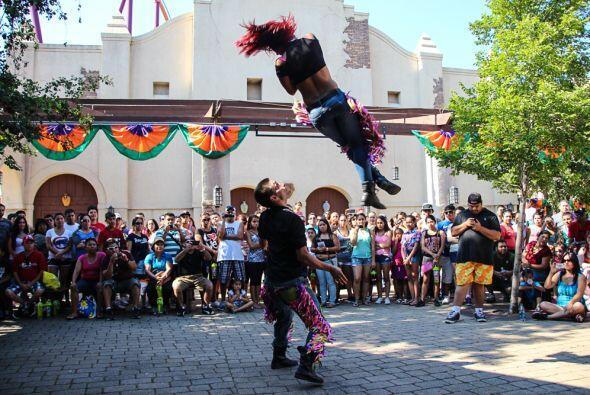Pasión 1067.com estuvo presente en el Festival Latino de Six Flags donde...