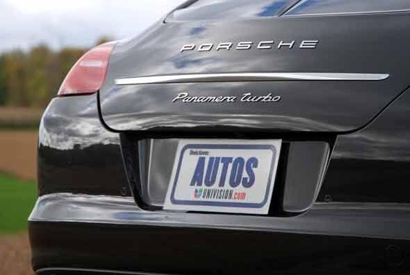 El Panamera 2010 será el cuarto modelo de la línea de la firma, al sumar...