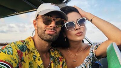 El besote que confirma que Jencarlos Canela y la Miss Puerto Rico Danna Hernández son más que amigos