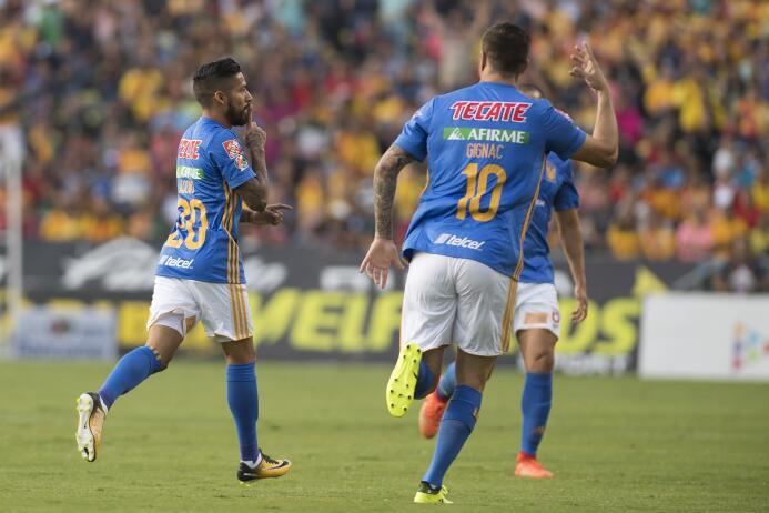 Juegazo y feria de goles entre Morelia y Tigres javier-aquino-celebra-su...
