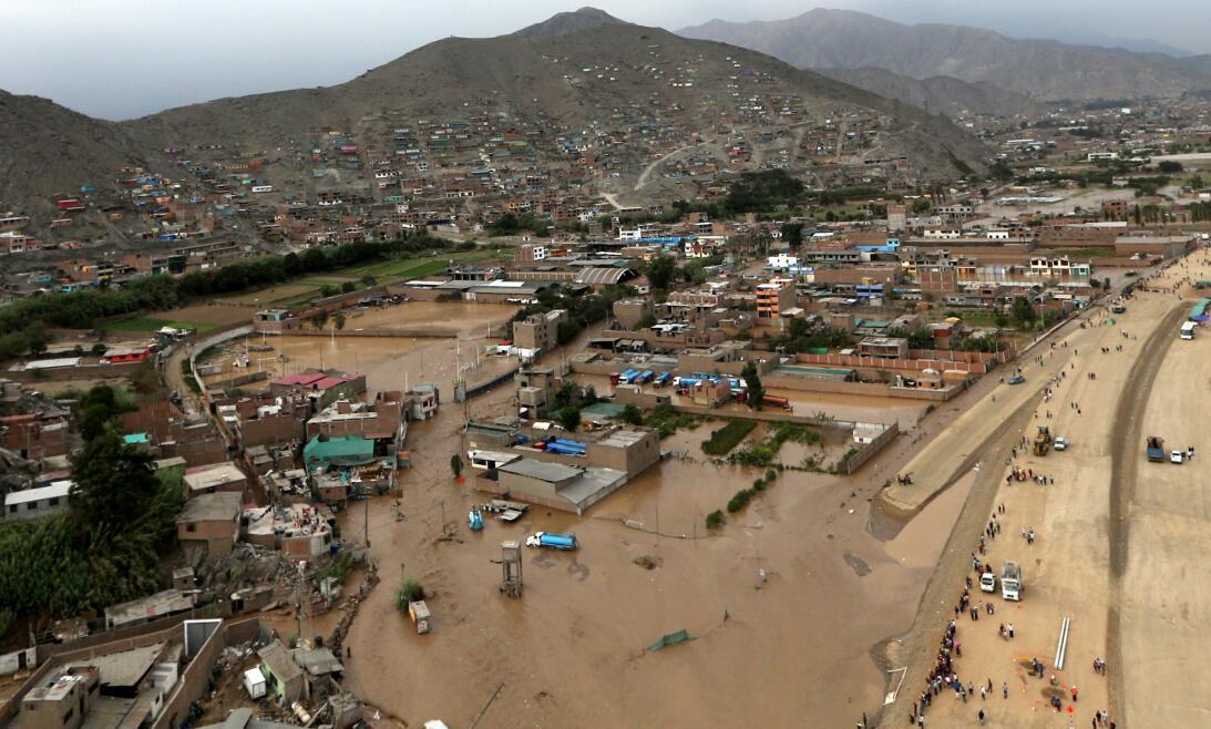 Vista área del distrito Huachipa, de Lima, este viernes 17 de marzo.
