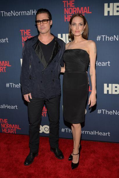 ¿Y Brad Pitt no notó la cara blanca de su pareja? Mira aquí los videos m...