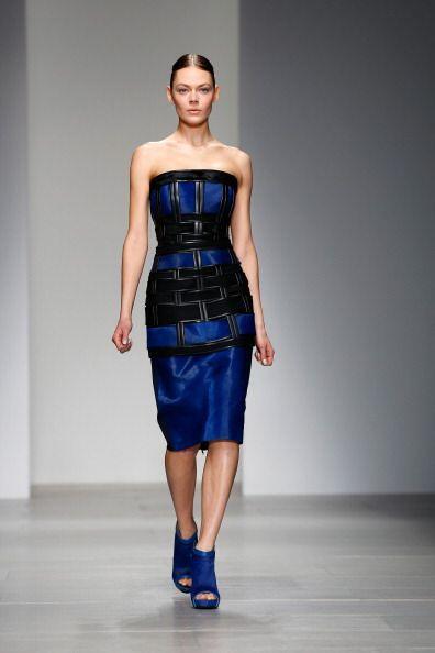 ¡Un 'strapless' no sólo enmarca tu busto sino también tu cintura, forman...