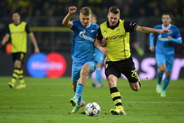 En el segundo tiempo, el partido mantenía el ritmo y la presión por ambo...