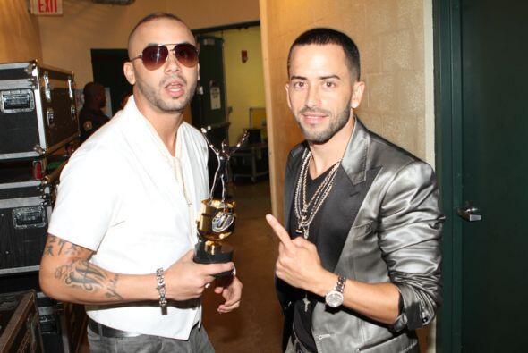 Wisin y Yandel le prendieron fuego a la noche con su reggaeton.