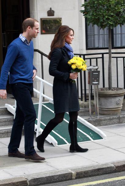 6 de diciembre de 2012  La duquesa abandona el hospital. Este mismo día...