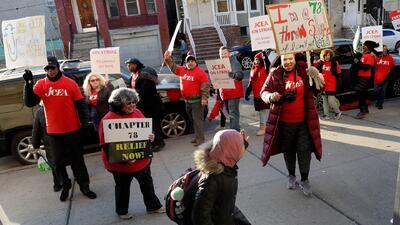 Maestros de NJ en huelga