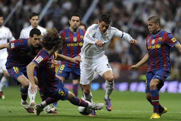 El Real Madrid recibió al Barcelona en el 'Camp Nou' en un cl&aac...