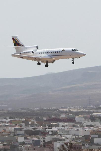 Pero las autoridades de Francia y Portugal se negaron a permir a la aero...