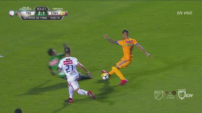 Ismael Sosa se tardó demasiado y se fue otra clarísima para Tigres