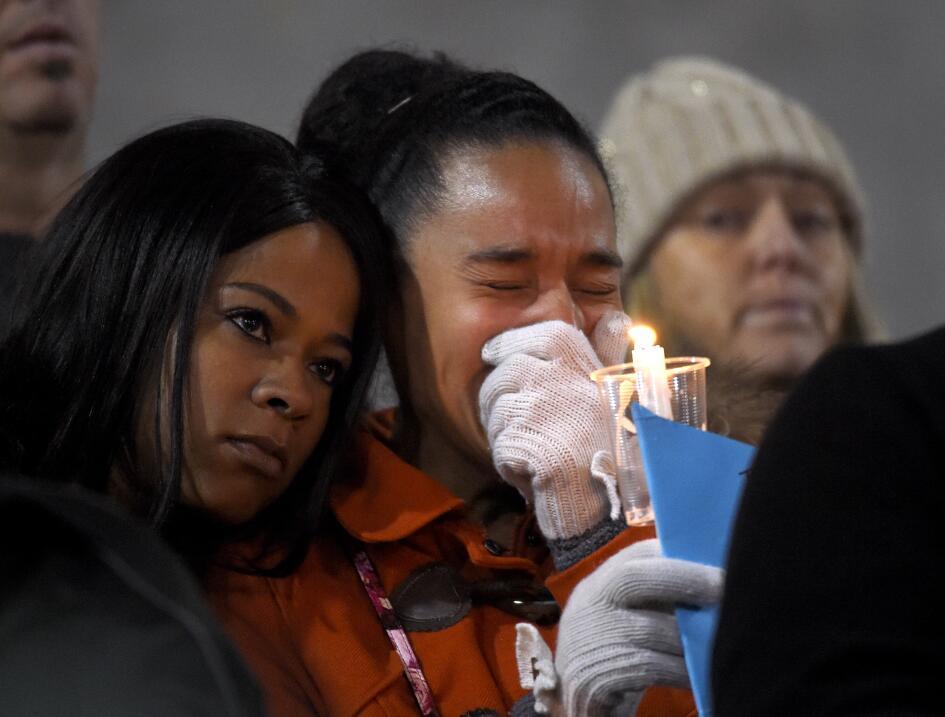 Las víctimas hispanas de tiroteo en California  vigilia23.jpg