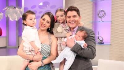 Ernesto Laguardia y su familia.