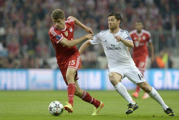 Müller (3): En la media punta, como la única novedad del once respecto a...
