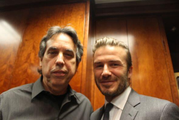 Beckham con Armando Fernández, productor de Radio Mambí 710 AM