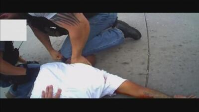 """Video: policía de Oklahoma dispara a detenido """"por error"""""""