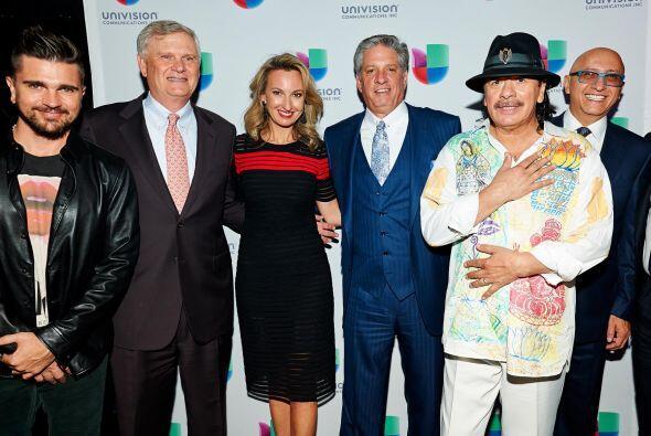 Juanes, Randy Falco (CEO y Presidente de Univision), Tonia O'Connor (Pre...