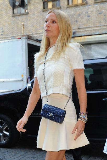 Gwyneth Paltrow destaca su naturalidad con este atuendo. Puedes usar una...