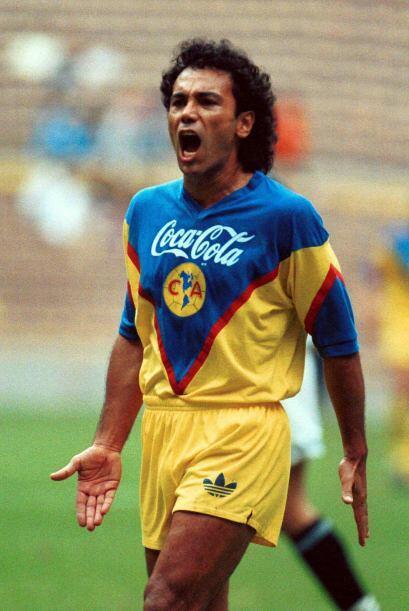 Hugo Sánchez regresó al fútbol mexicano en la temporada 92-93 después de...
