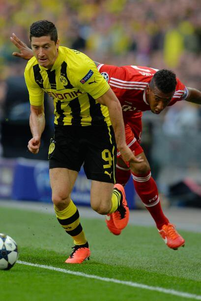 El goleador Robert Lewandowski fue un dolor de cabeza para la defensa de...