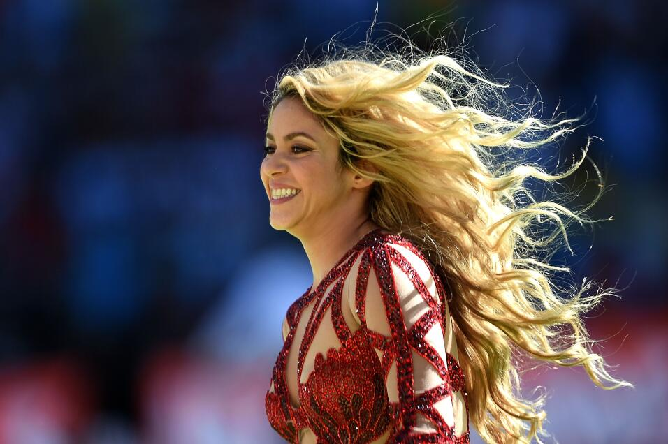 Singer Shakira performs during the closing ceremony prior to the 2014 FI...