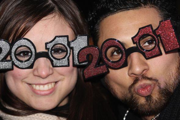 San Francisco- Celebra la llegada del 2011 viendo los juegos pirotécnico...