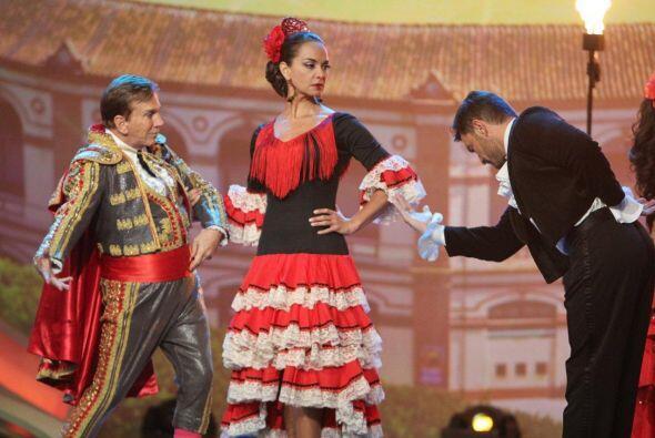 El estudio de Nuestra Belleza Latina se tornó en una fiesta flamenca con...