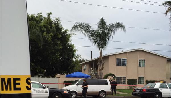 Un elemento de la Policía de Santa Ana resultó herido en un tiroteo.